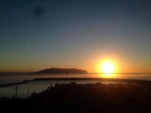 上磯あたりの見事な朝日